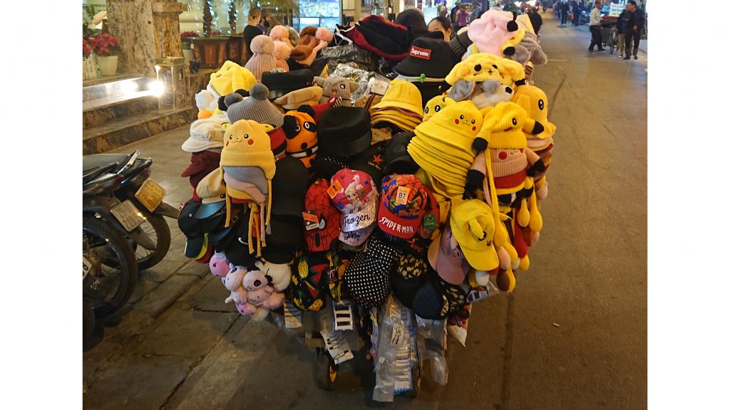 夜の行商のおばちゃん(ピカチュウ祭り)